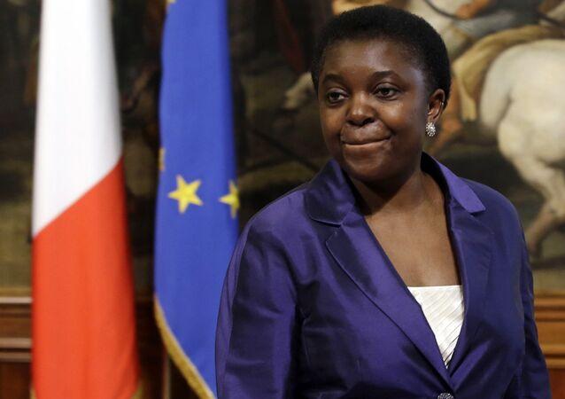 İtalya'nın ilk siyah bakanı Cecile Kyenge