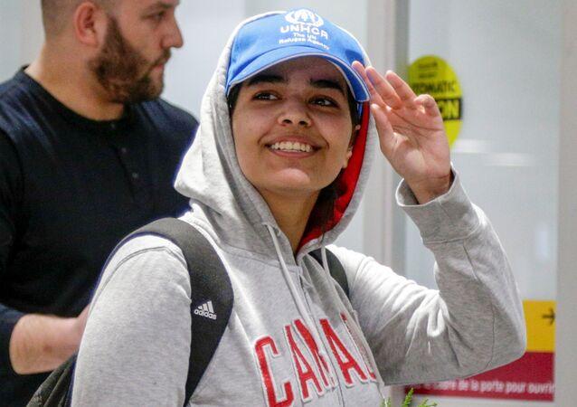 18 yaşındaki Suudi vatandaşı Rahaf Muhammed el Kunun, Kanada'ya iltica etmesinin ardından Toronto Havalimanı'na inmişken
