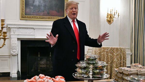 Donald Trump'tan Beyaz Saray'da McDonalds, Wendy, Burger King ve Domino's Pizza ikramı - Sputnik Türkiye