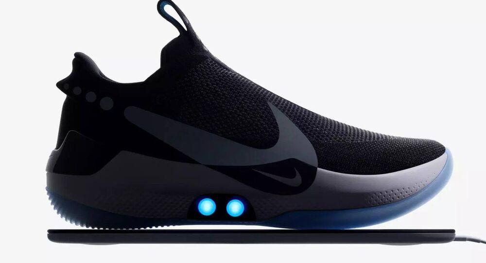 Nike'ın 'Adapt BB' isimli yeni ayakkabı modeli