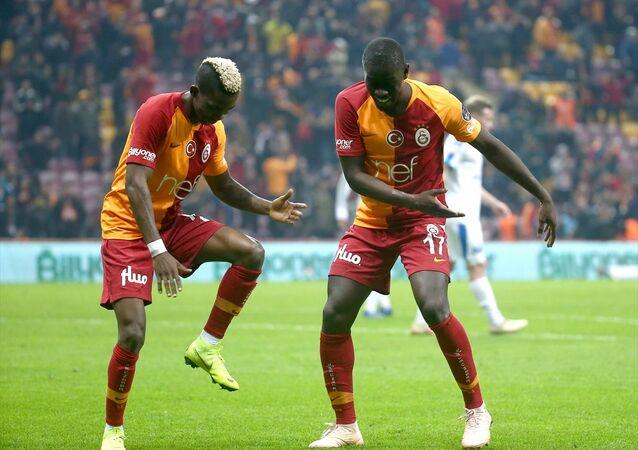 Galatasaray, ikinci yarıya 'farklı' başladı