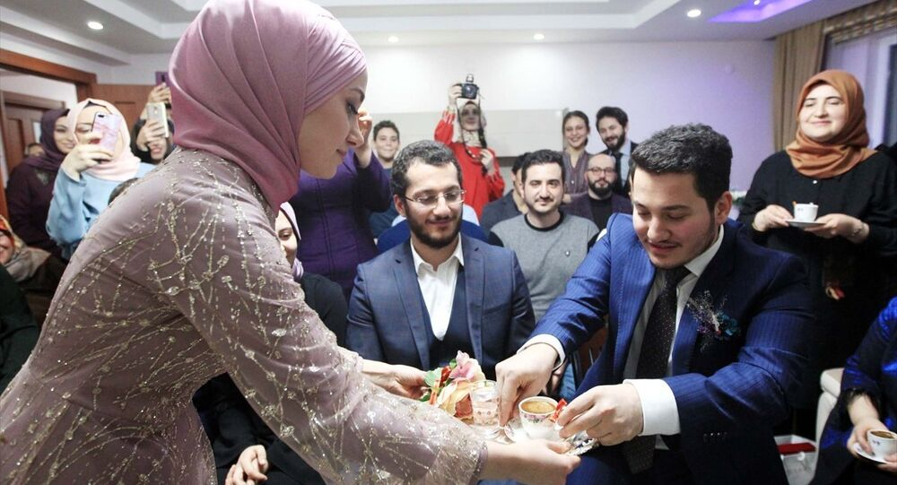 Türkiye Cumhurbaşkanı Recep Tayyip Erdoğan, Samsun'da doktor olarak görev yapan İbrahim Hakkı Karakuş için telefonda kız istedi.