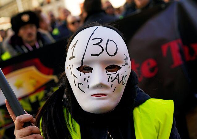 İspanya'da taksicilerin grevi sürüyor