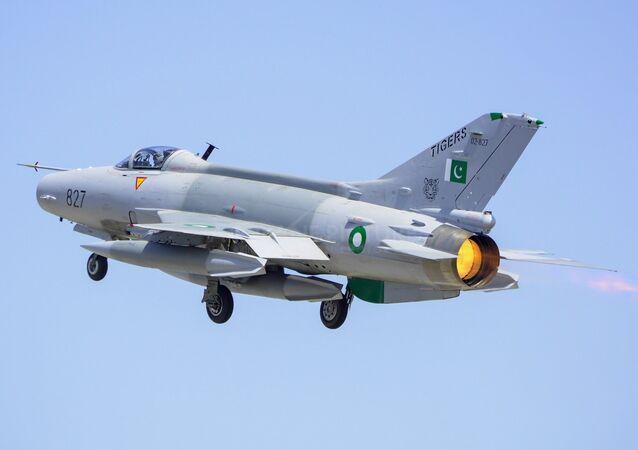 Pakistan Hava Kuvvetleri tarafından kullanılan F-7PG tipi savaş uçağı