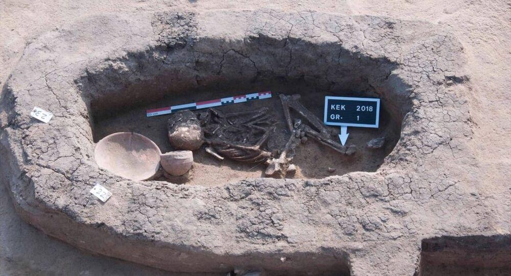 Mısır'da Hiksoslar dönemine ait mezarlar bulundu