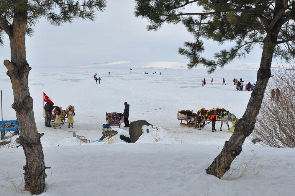 Doğu Anadolu Bölgesi'nin ikinci büyük gölü olan Çıldır Gölü