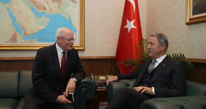 Milli Savunma Bakanı Akar ile ABD'nin Suriye Özel Temsilcisi Jeffrey