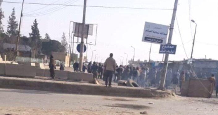 Rakka'lılardan DSG ve ABD'ye karşı protesto gösterileri