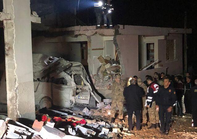 Hatay'ın Altınözü ilçesinde bir binanın kazan dairesinde patlama oldu: 2 kişi hayatını kaybetti