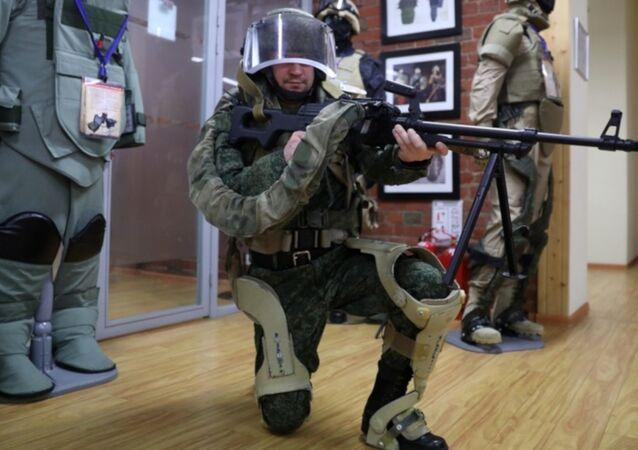 Rus ordusunun yeni yapay askeri dış iskeletleri: '35 kilo yükü saatlerce taşıdım ve neredeyse yorulmadım'