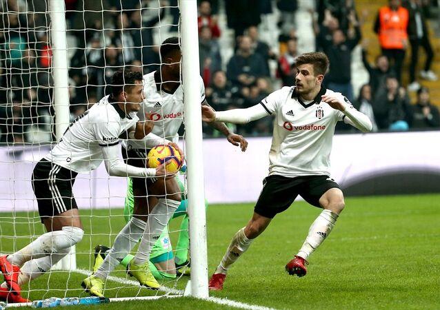 Beşiktaş evinde yine puan kaybetti