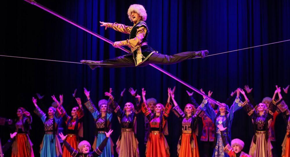 2019 Türkiye-Rusya Karşılıklı Kültür ve Turizm Yılı etkinliği çercevesinde Türkiye'de bir gösteri düzenleyen Lezginka dans topluluğunun gösterisinden bir kare
