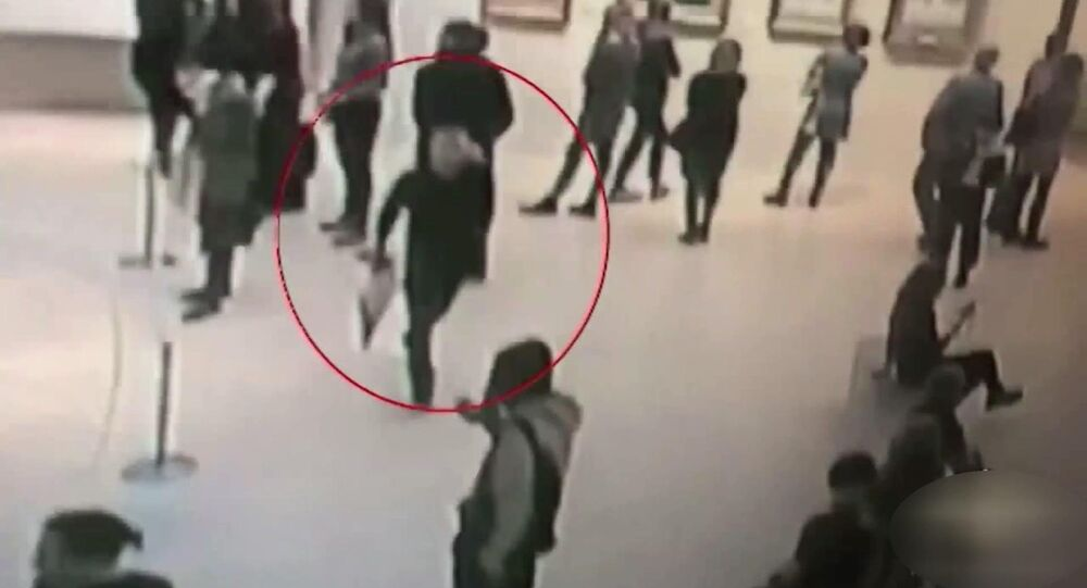 1 milyon lira değerindeki Kırım tablosu, Rus sanat galerisinden herkesin gözü önünde çalındı