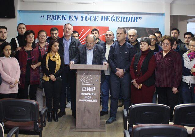 CHP - İzmir Menemen İlçe Teşkilatı istifa etti