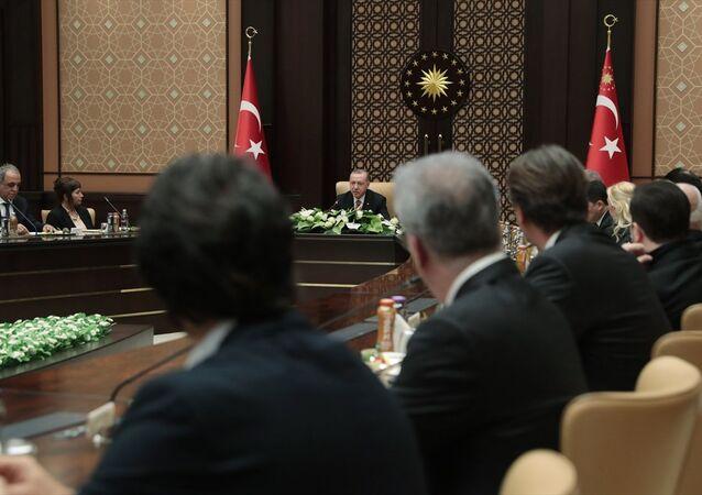 Erdoğan ile sinemacıların buluşmasından: Başkanlık sistemini son 2 haftada idrak ettik, artık ayrılık gayrılık olmaz