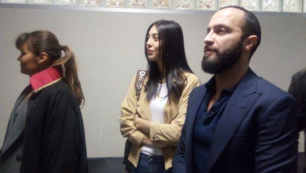 Berkay Şahin ve eşi Özlem Ada Şahin, adliyede böyle görüntülendi - Sputnik Türkiye