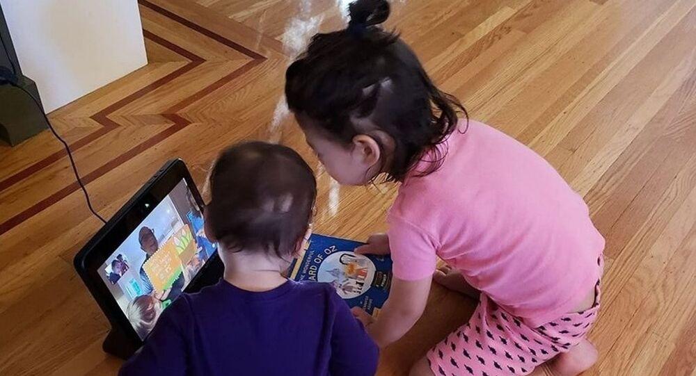 Çocuklar çok küçük yaşlardan itibaren teknoloji kullanıyor, Facebook kullanıcılarının milyonlarcası 10 yaşın altında.