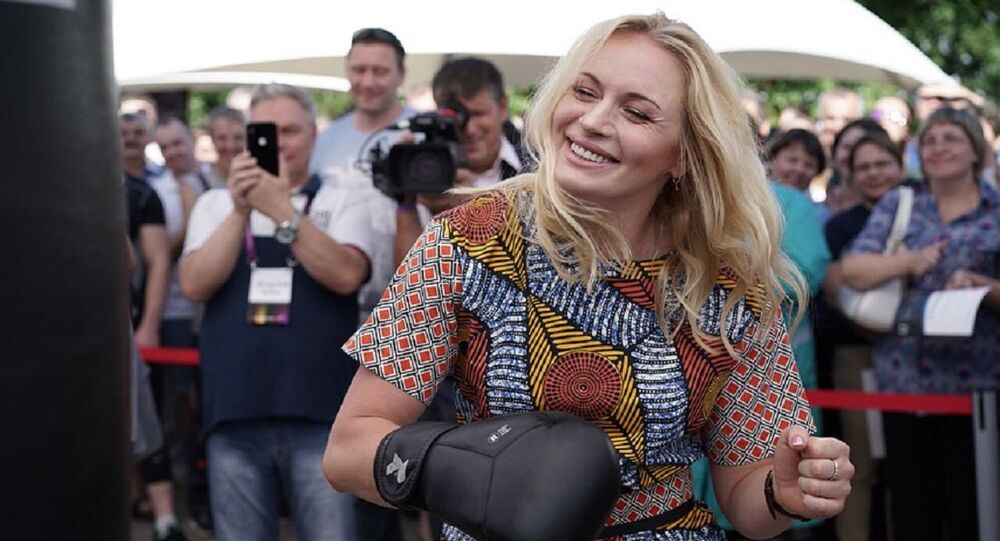 Rus boksör Svetlana Kulakova
