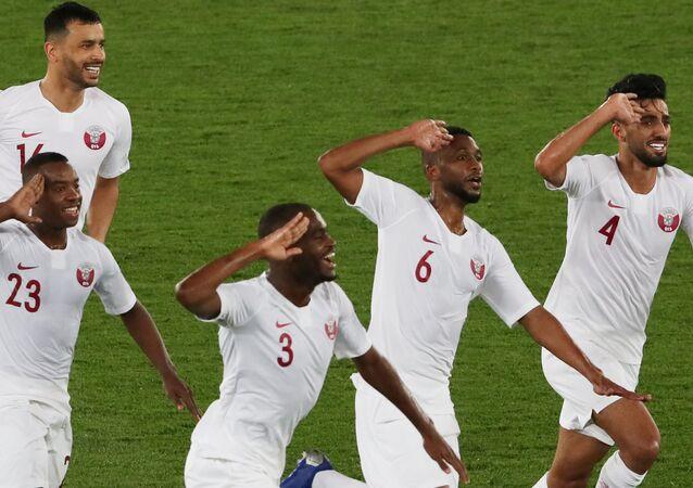 2019 Asya Kupası Japonya-Katar finali... Katar milli futbol takımının Abdelaziz Hatim'in ayağından gelen 2. golün ardından sevinç gösterisi...