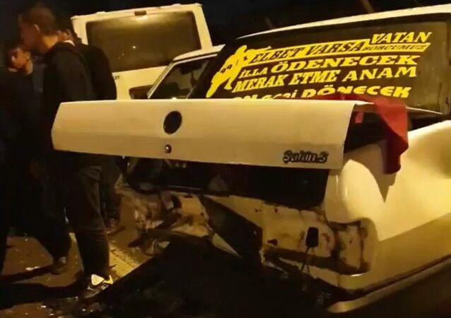 Kahramanmaraş'ta asker uğurlama konvoyunda meydana gelen trafik kazasında 2'si çocuk 4 kişi yaralandı.