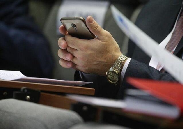Rusya'da dinlemeye karşı korumalı telefon