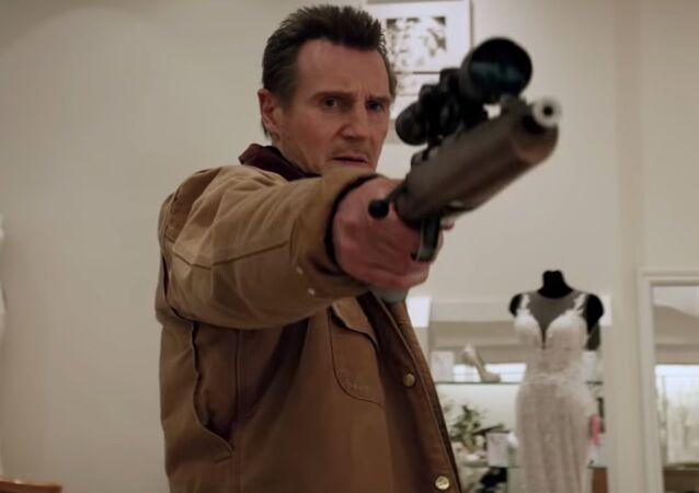 Liam Neeson 'Cold Pursuit' filminin bier sahnesinde