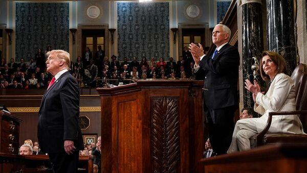Donald Trump, Mike Pence ve Nancy Pelosi - Sputnik Türkiye