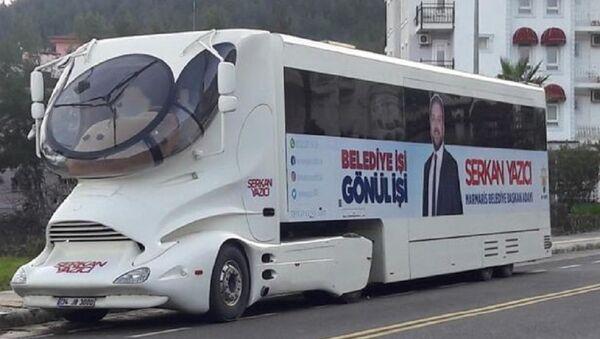 Serkan Yazıcı, seçim otobüsü - Sputnik Türkiye