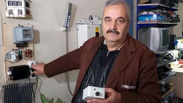 'Dadaş mucit' lakaplı 57 yaşındaki elektrik teknisyeni Ebubekir Taşbaşı - Sputnik Türkiye