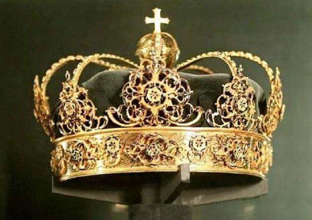 İsveç Kralı 4. Karl'ın tacı