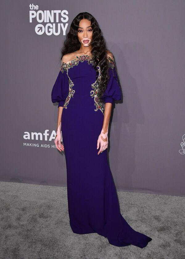 New York'taki AmFAR Gala gecesine damga vuran kıyafetler - Sputnik Türkiye