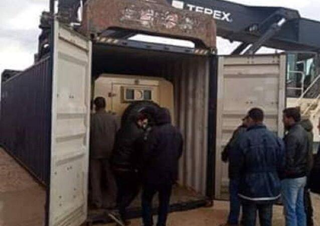 Libya'daki limanında tutuklanan türk yapımı askeri araçlar