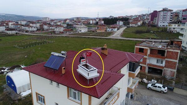 Muhtar adayı çatıya 'tanıtım amaçlı' mezar koydu - Sputnik Türkiye