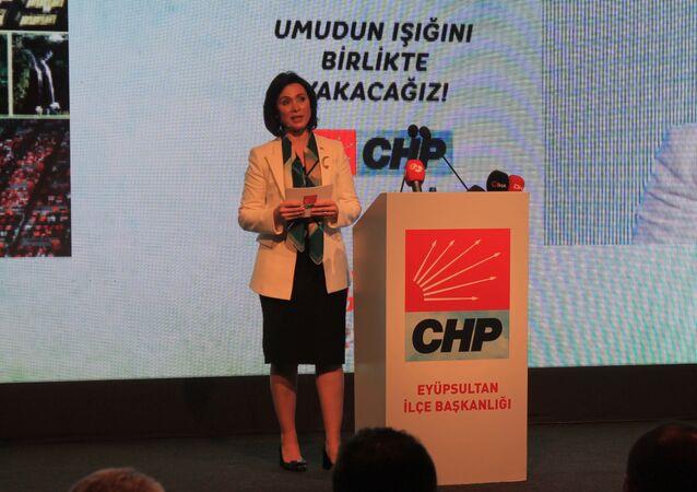 CHP'nin İstanbul'daki tek kadın adayı Emel Bilenoğlu