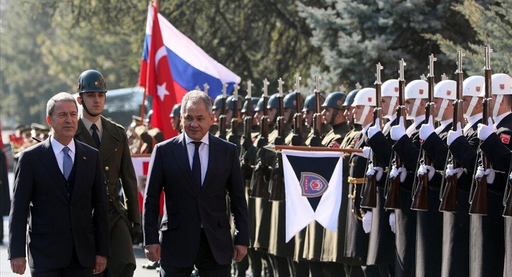 Rusya Savunma Bakanı Sergey Şoygu ve Savunma Bakanı Hulusi Akar