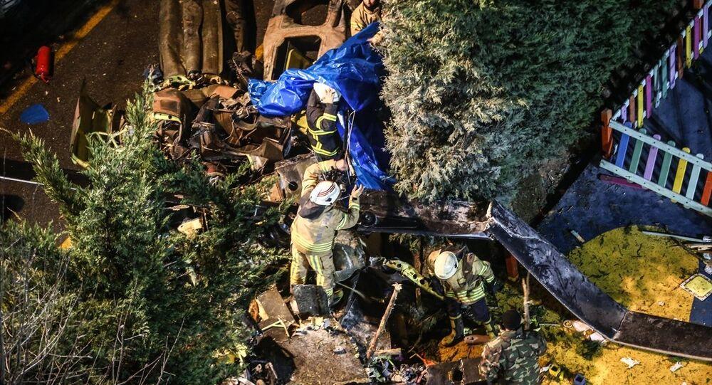 UH-1 tipi helikopter / Çekmeköy'de helikopter düştü