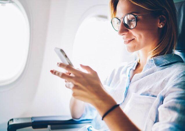 Uçak + Cep telefonu