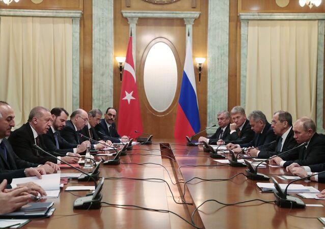 Soçi'de Türk ve Rus heyetleri arasında ikili görüşmeler