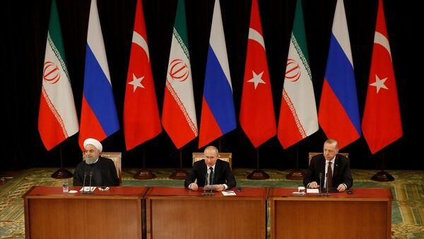 Recep Tayyip Erdoğan -  Hasan Ruhani - Vladimir Putin - Soçi Üçlü Zirve  - Sputnik Türkiye