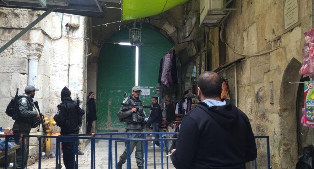 İsrail polisi işgal altındaki Doğu Kudüs'te bulunan Mescid-i Aksa'nın tüm kapılarını kapattı
