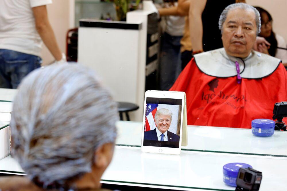 Trump ve Kim modelini ücretsiz kesen berber