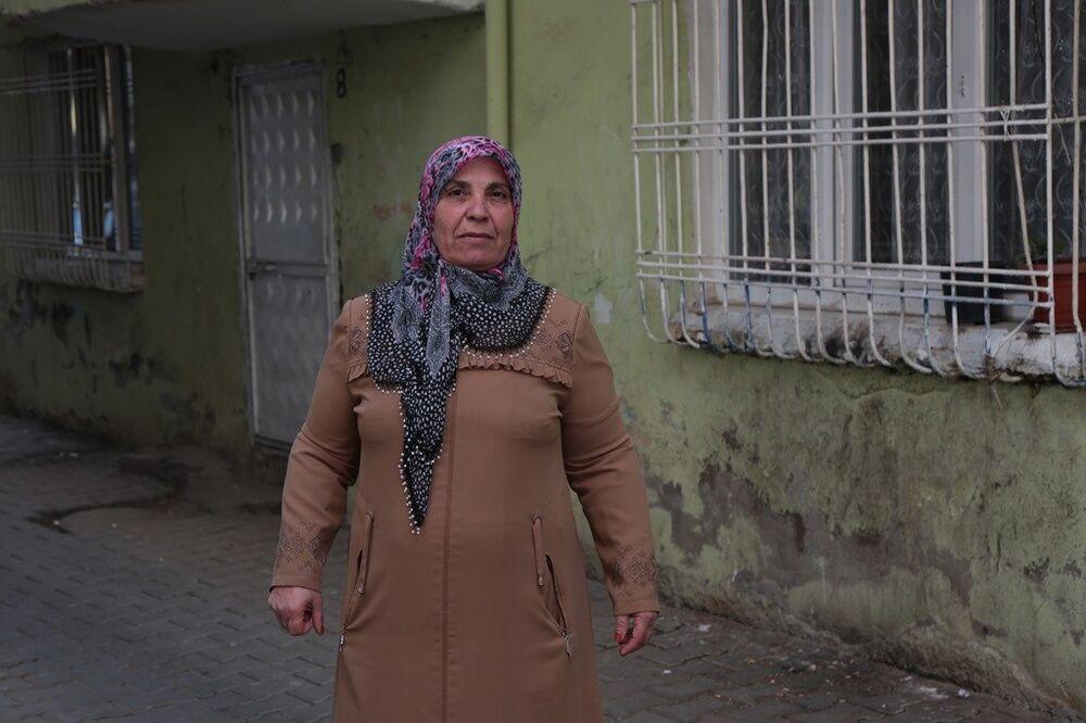 En yaşlı kadın muhtar adaylarından biri olan 58 yaşındaki Layike Yakar
