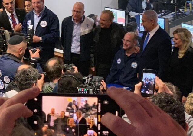 Beresheet'in uzaya fırlatılıp yörüngeye oturması ve sorunsuz çalışma sinyalleri vermesini İsrailli uzay araştırmacıları Başbakan Benyamin Netanyahu ile birlikte kutladı.
