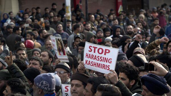 Cammu Keşmir saldırısının ardından Keşmirliler kendilerine yönelen tehditleri protesto etti - Sputnik Türkiye