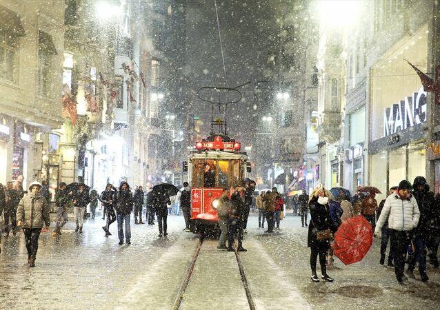 İstanbyl- Kar