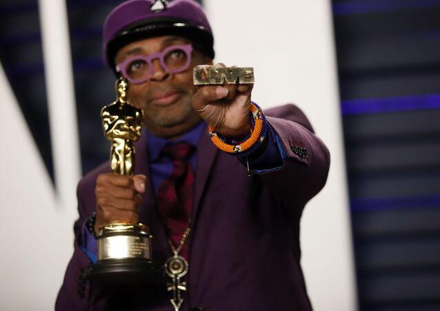 İlk kez doğrudan eseri için Oscar alan Spike Lee 'after party'de