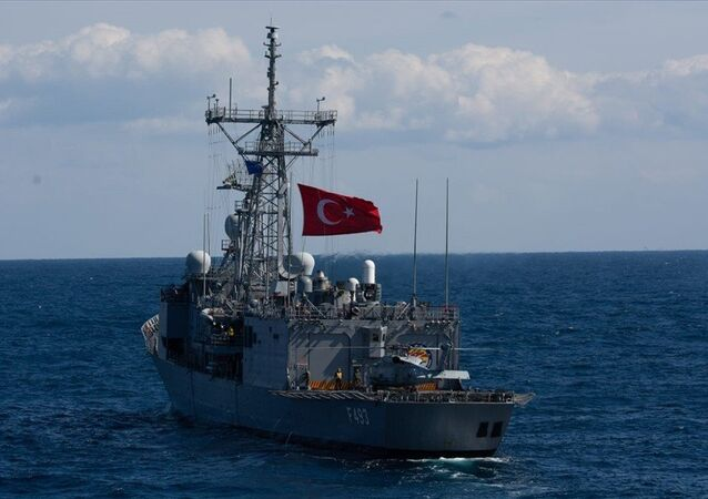 """Milli Savunma Bakanlığı, NATO'nun """"Dynamic Manta-2019"""" tatbikatına TCG Gür denizaltısı, bir deniz karakol uçağı ve TCG Gelibolu fırkateyni ile iştirak edildiğini duyurdu."""