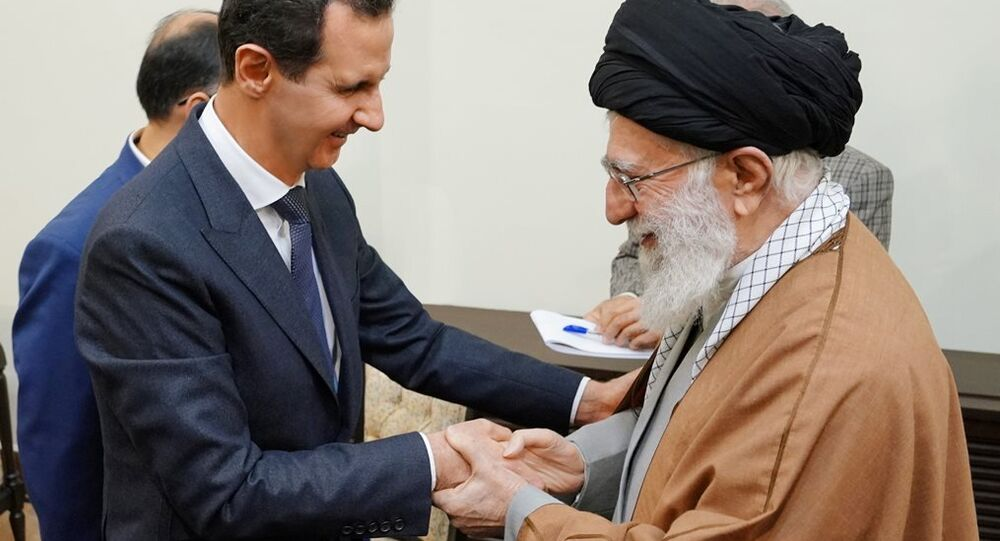 Suriye Devlet Başkanı Beşar Esad'ın Tahran'a gerçekleştirdiği çalışma ziyareti kapsamında  İran'ın dini lideri Ayetullah Ali Hamaney ile de bir araya geldi.