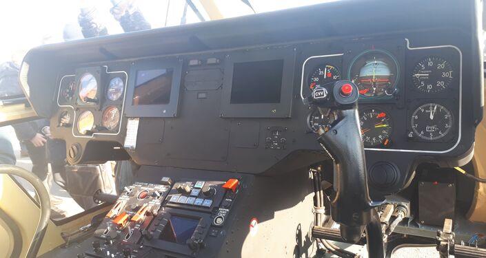 Ambulans helikopterler, bebek yaşam destek ünitesi de dâhil olmak üzere, uçuş sırasında teşhis ve ilk yardım imkânı tanıyan modern ekipmanlarla donatılmış durumda.