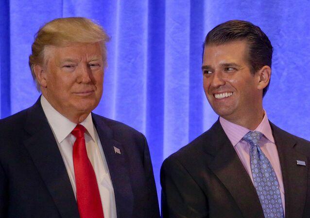 Donald Trump ile en büyük oğlu Donald Trump Jr.